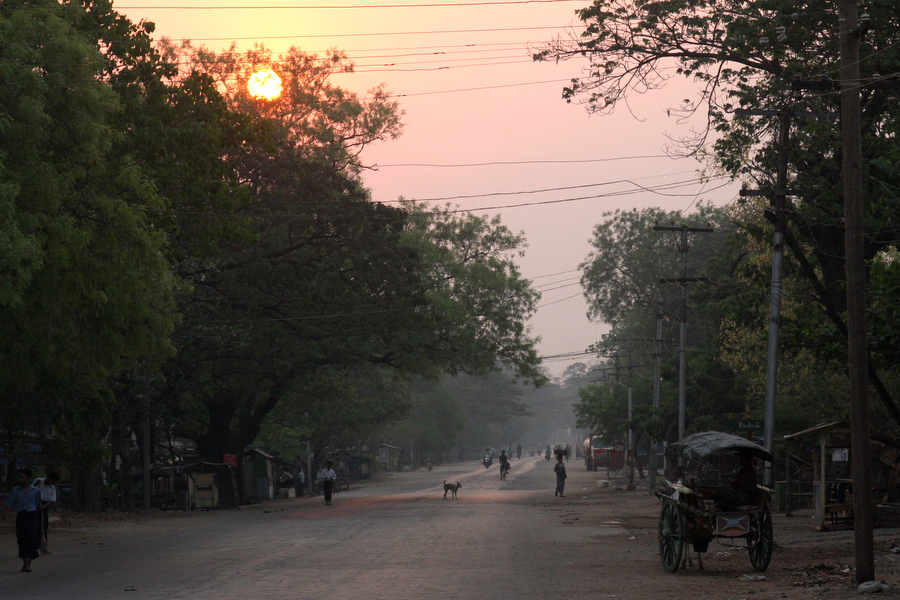 Myanmar: Thazi at Dawn