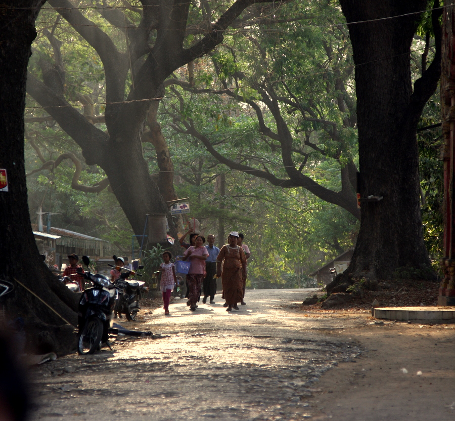 Myanmar: Quite Street near Mandalay