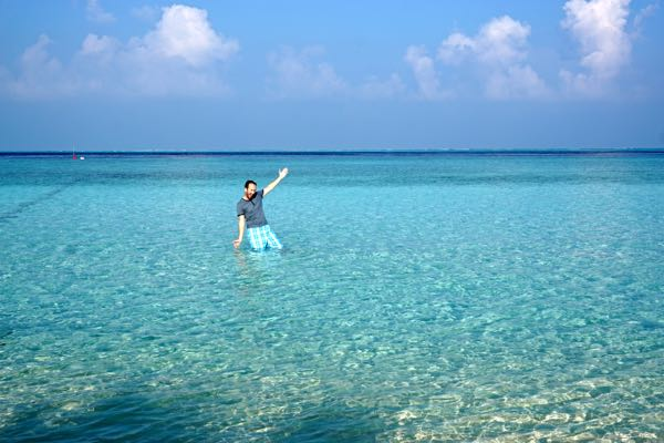The crystal clear waters of Gulhi are tempting, no?