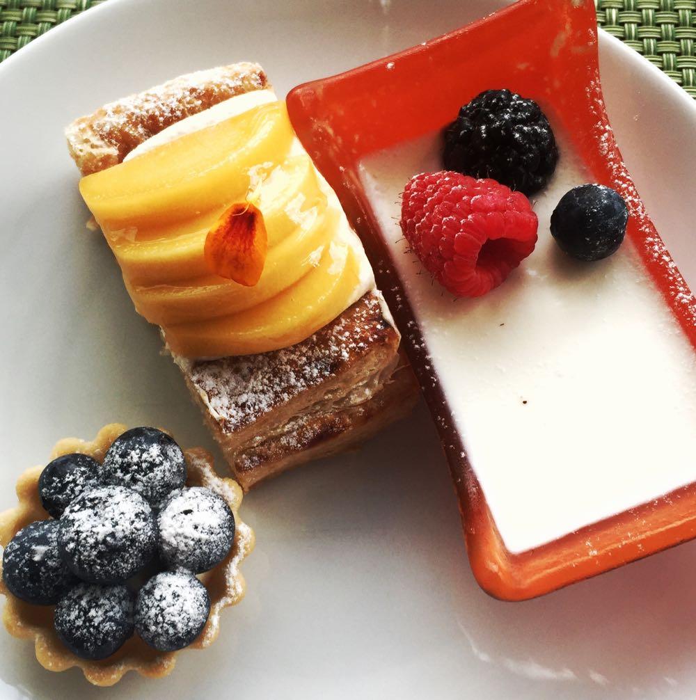 Millennium Hilton Bangkok Christmas Buffet Dessert1