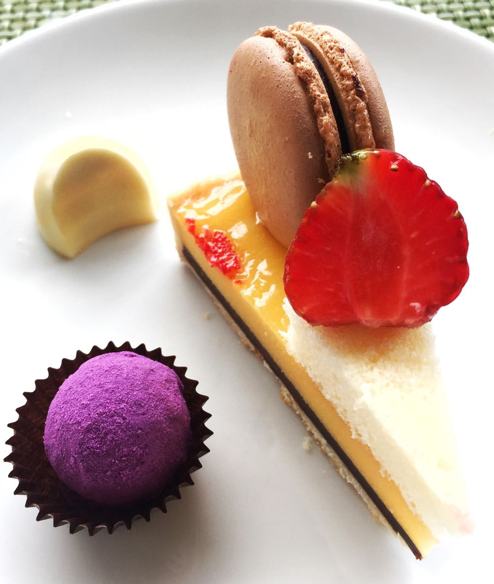 Millennium Hilton Bangkok Christmas Buffet Dessert2