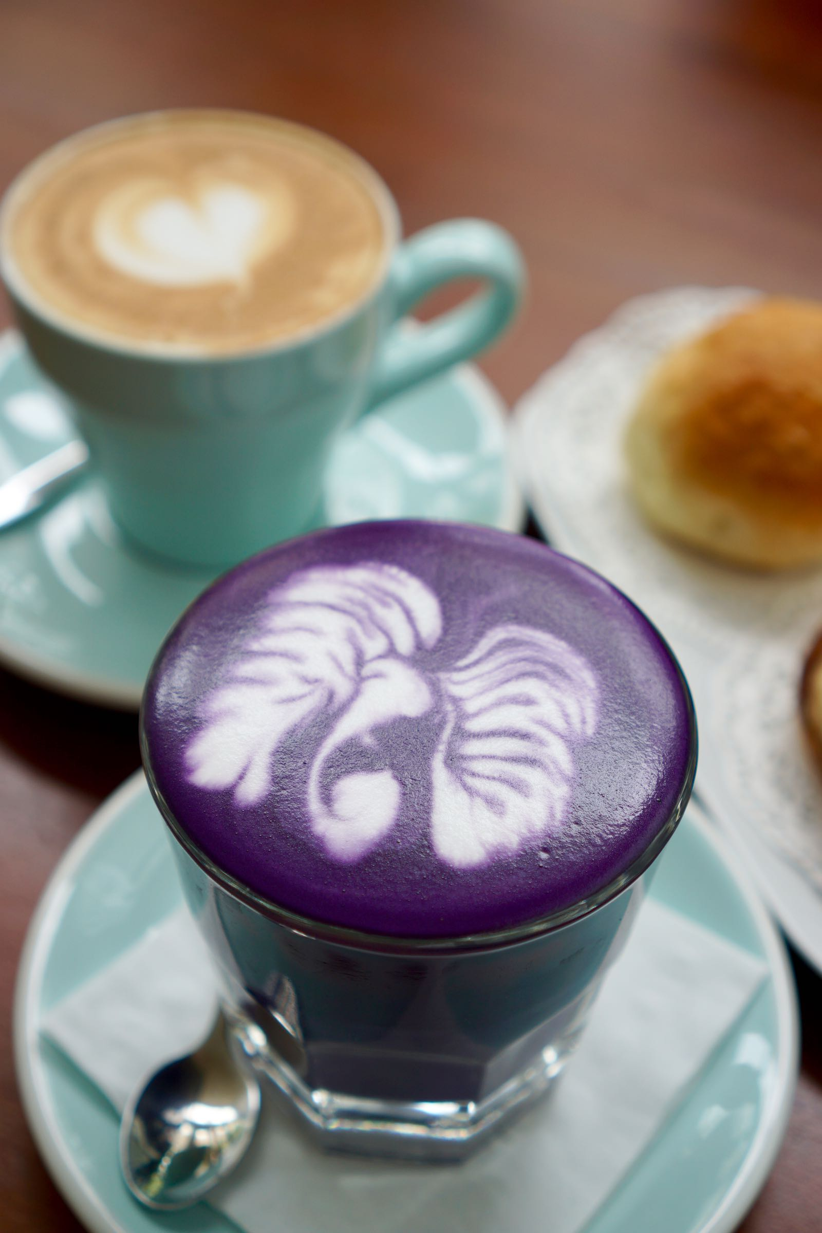 Hot Taro Latte Sydwic