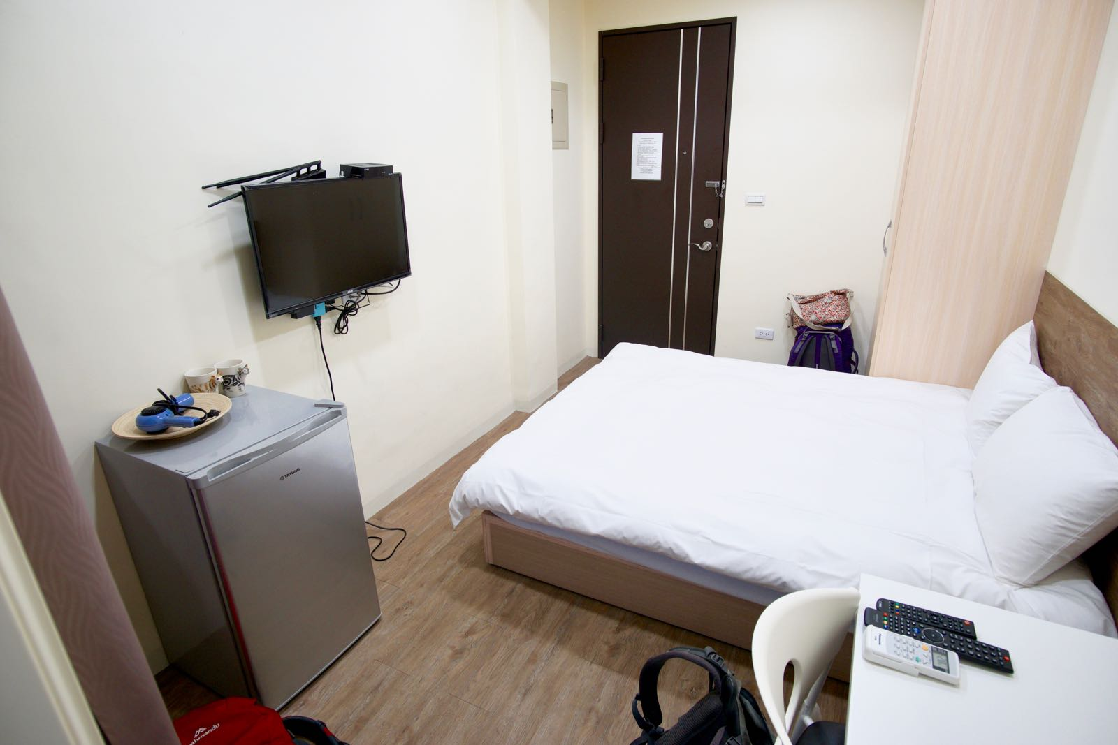 Fly Inn Hostel Taichung recommended budget accommodation