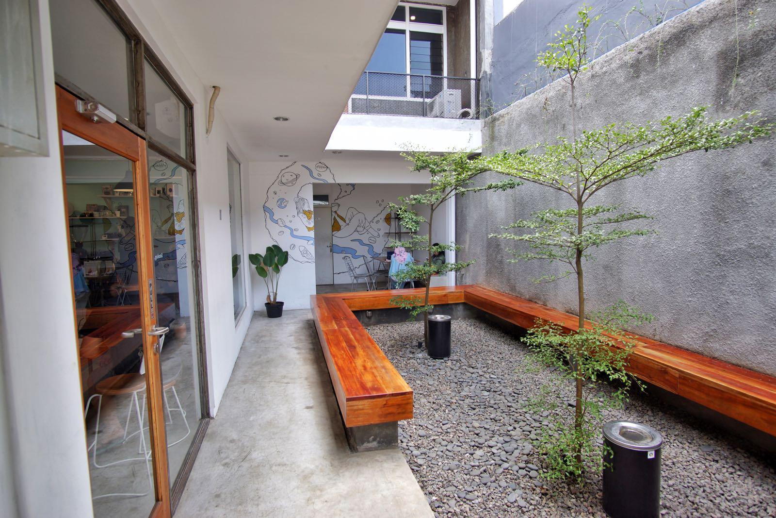 Aditi Bandung Smoking Area