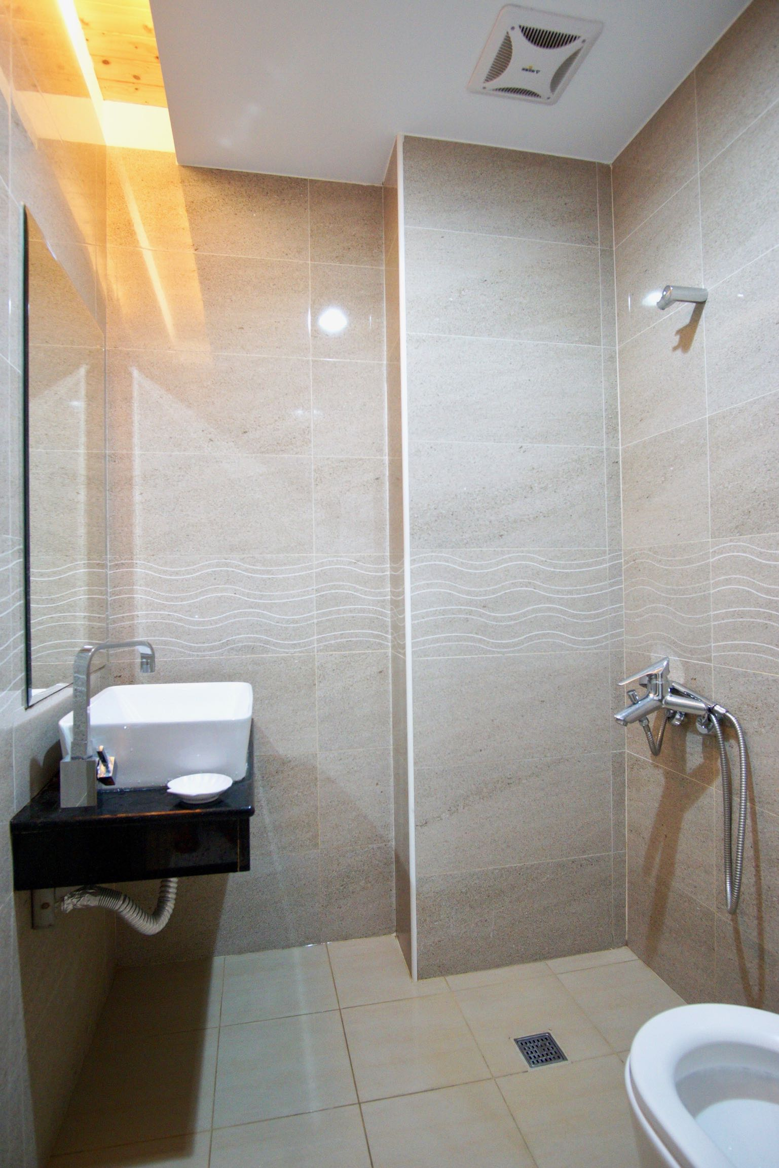 City Center Homestay Hualien Bathroom