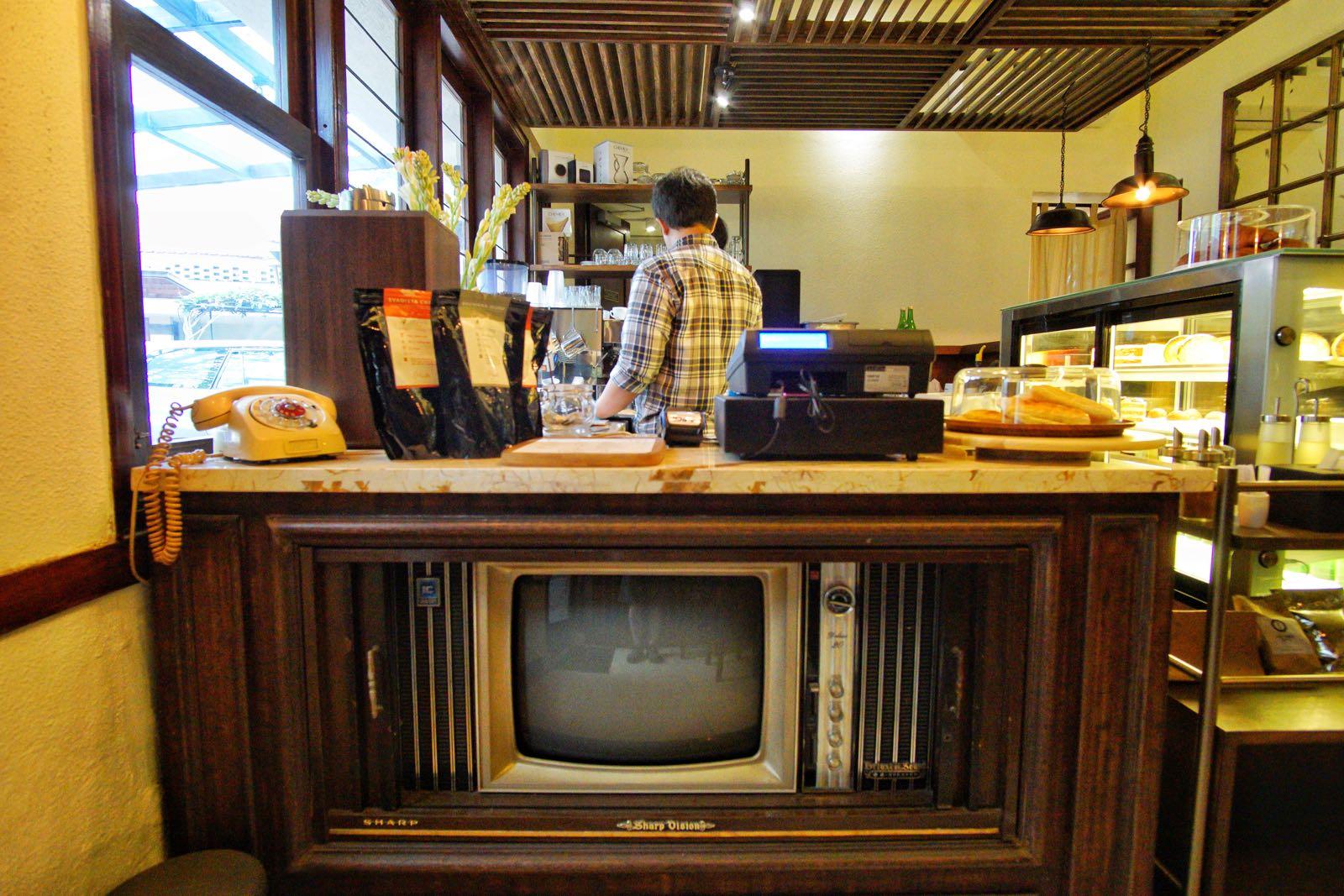 Kamar Tujuh old TV