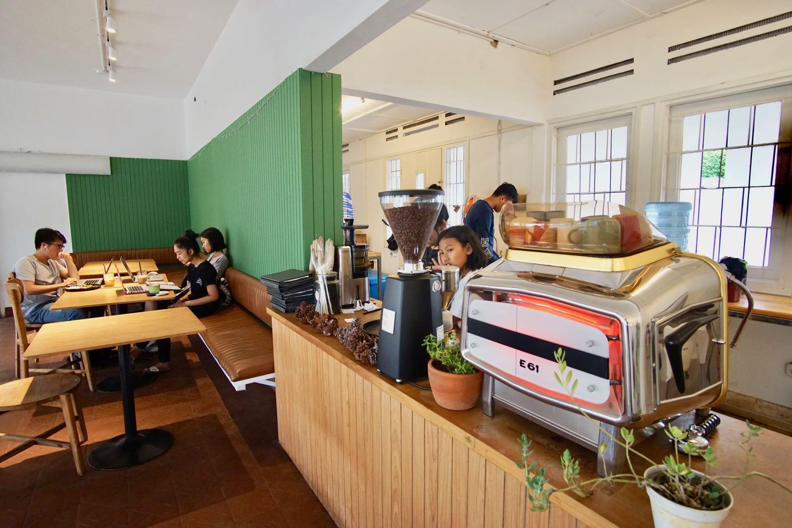 Kiputih Satu Bandung Coffee Machine