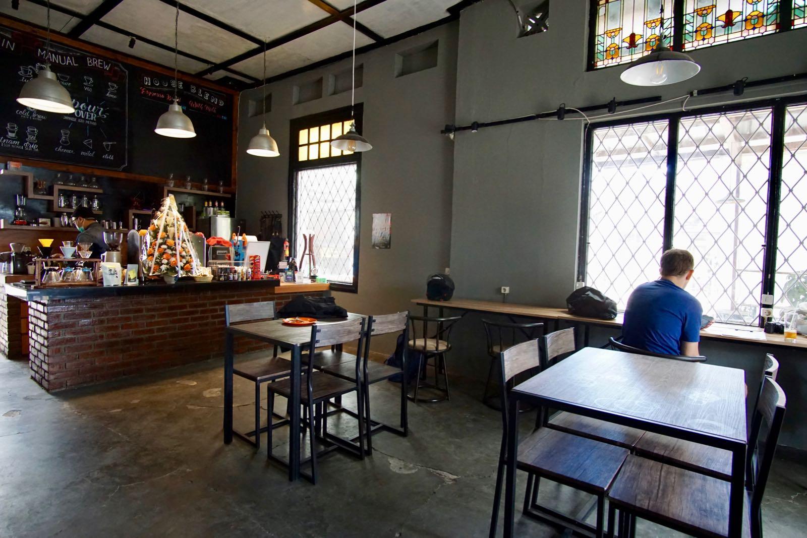 Coffeelense Coffeeshop Bandung