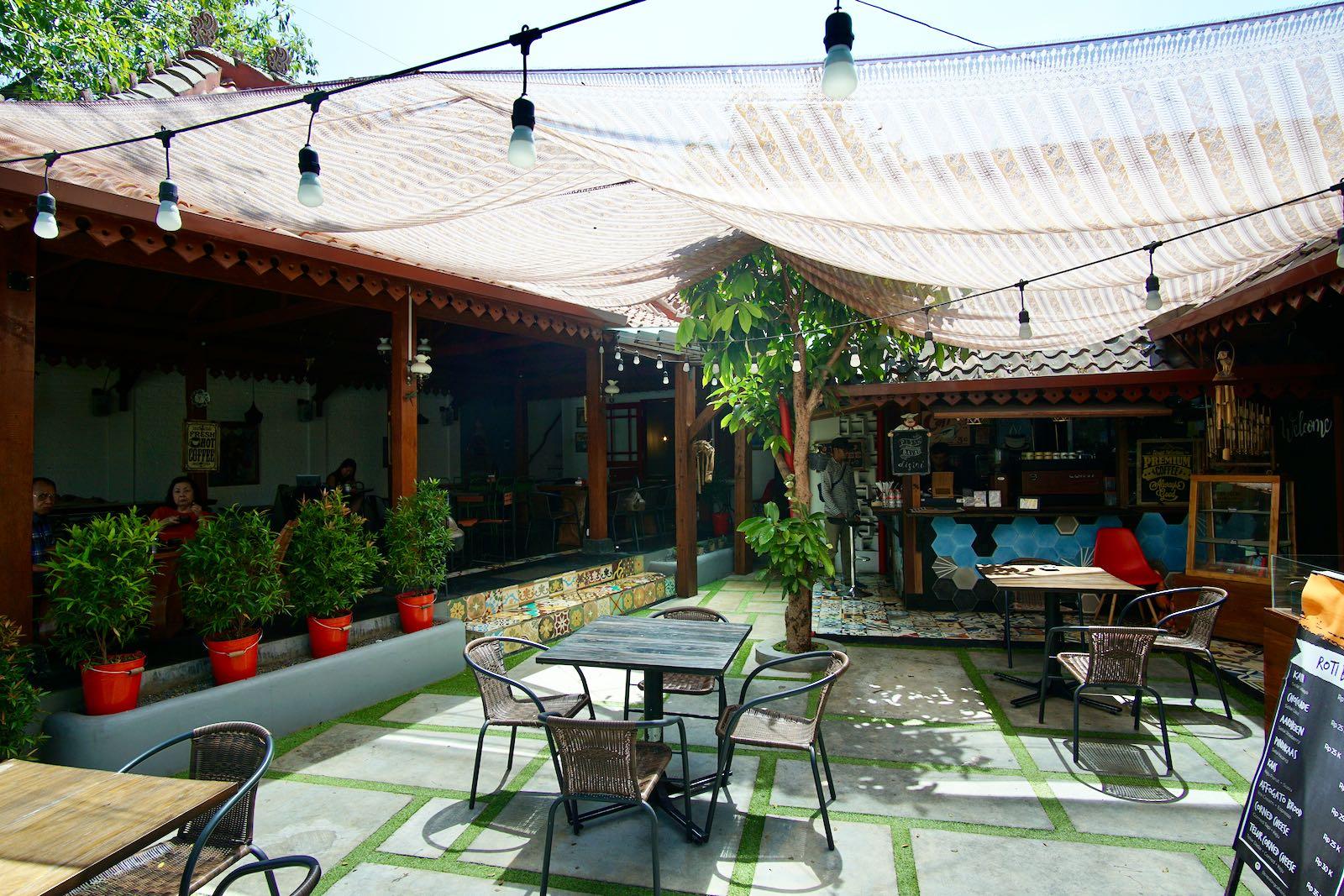 Papatong Cafe Bandung