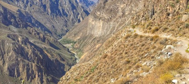 Colca Canyon descent