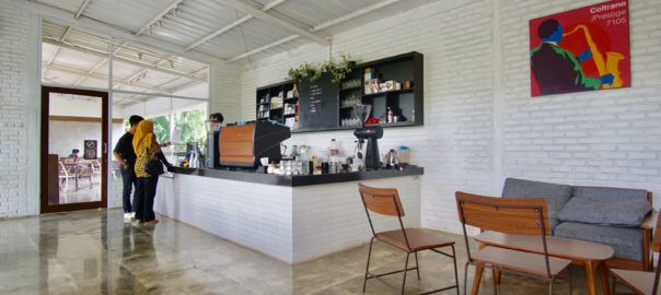 Righthands Coffee Bandung Inside